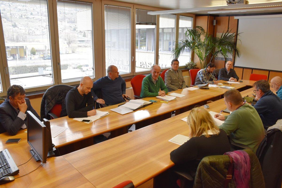 """Presentato ai sindacati il """"Piano lavori operai forestali 2020"""" che impegnerà oltre 500 operai per una spesa di 12 milioni di euro"""
