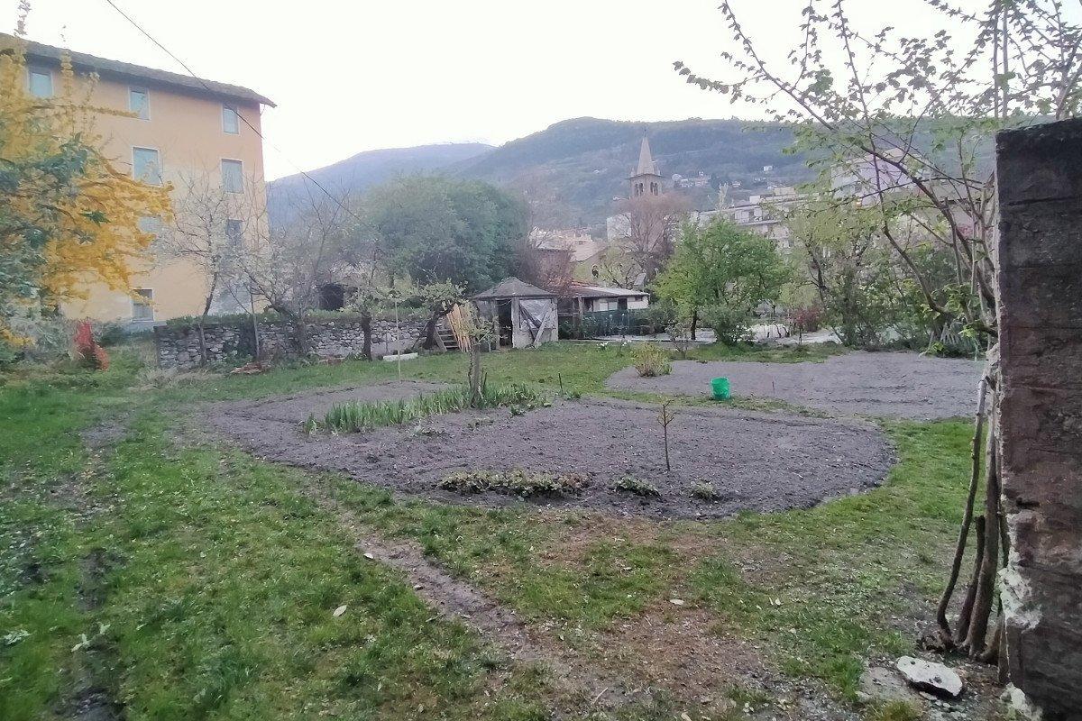 Un orto nel centro di Aosta