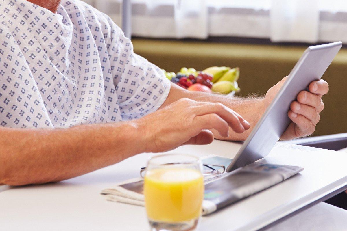"""Daria Pulz chiede di fornire di tablet e sim i pazienti di """"covid-19"""" isolati e ricoverati: «restituiamo calore umano e vicinanza grazie alle nuove tecnologie»"""