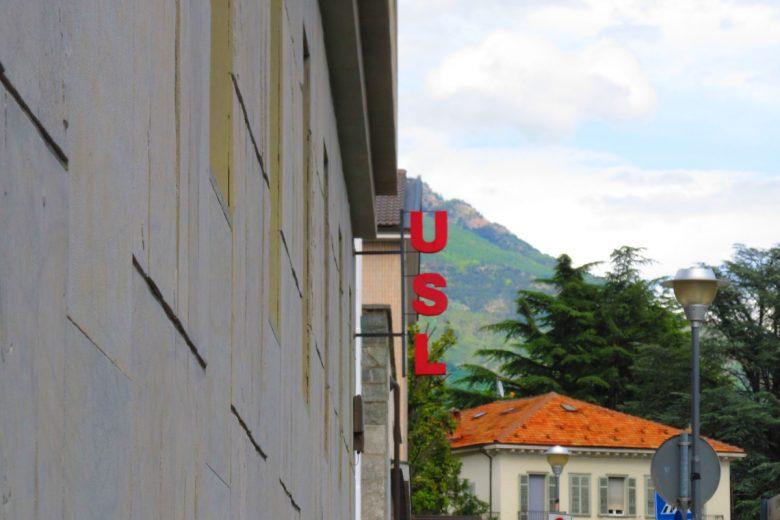 L'insegna dell'Azienda Usl, ad Aosta