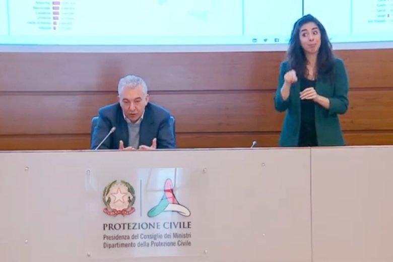 Domenico Arcuri durante la conferenza stampa del 23 maggio