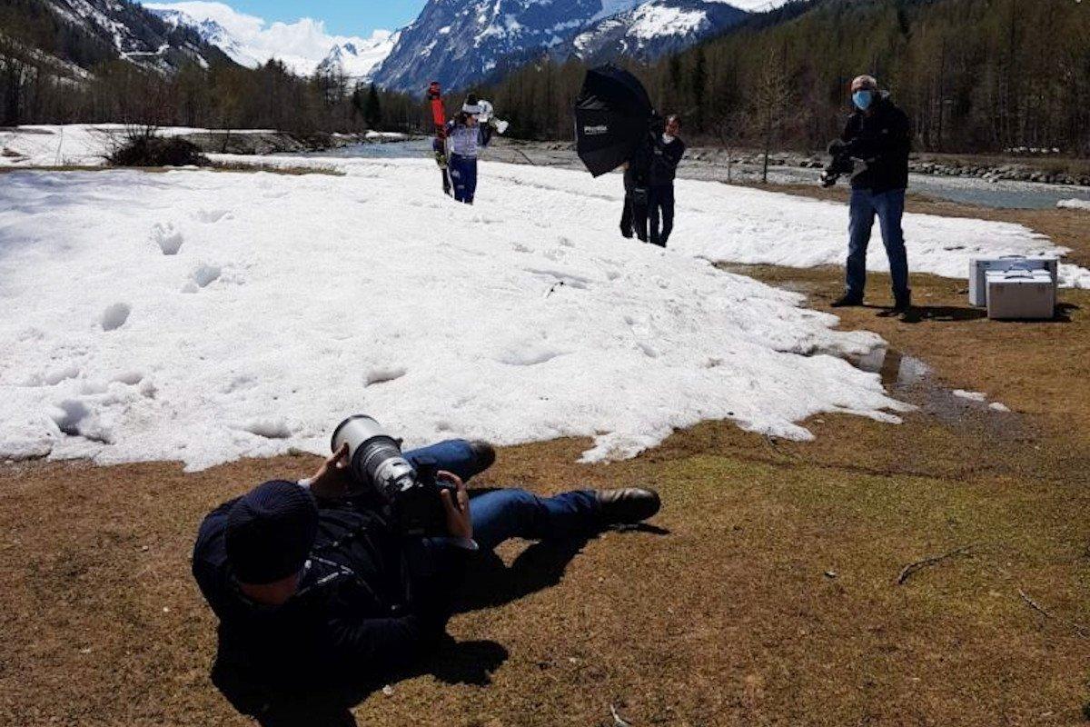 Un momento della sessione fotografica di Federica Brignone in Val Ferret (foto di 'Ninna' Quario)