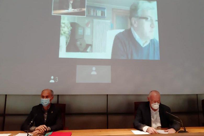 Albert Chatrian, Renzo Testolin e Luigi Bertschy durante la presentazione dell'ordinanza 192