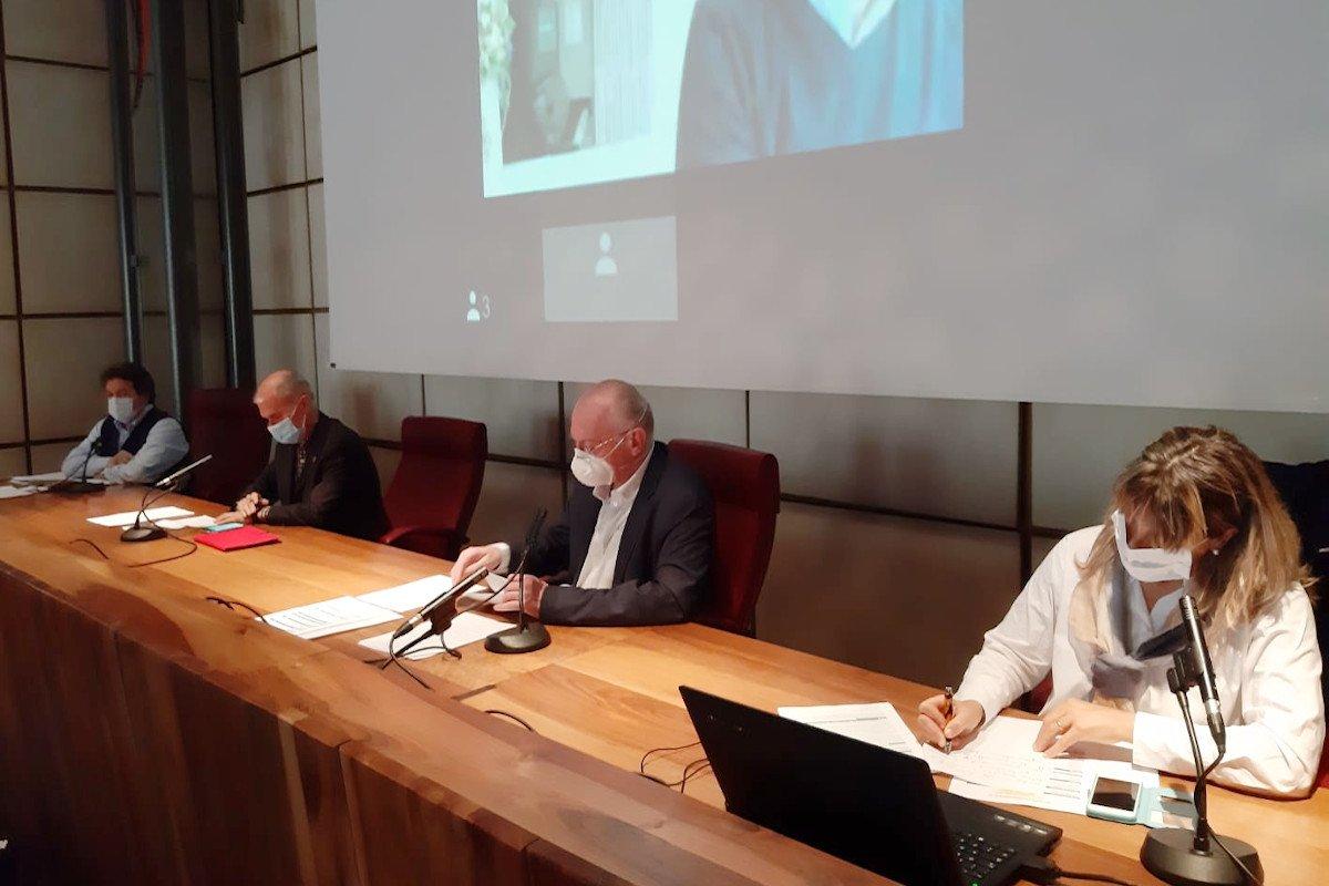 """La """"fase 2"""" in Valle d'Aosta sarà monitorata per verificare come proseguirà la diffusione del contagio: «valuteremo interventi più cautelativi»"""