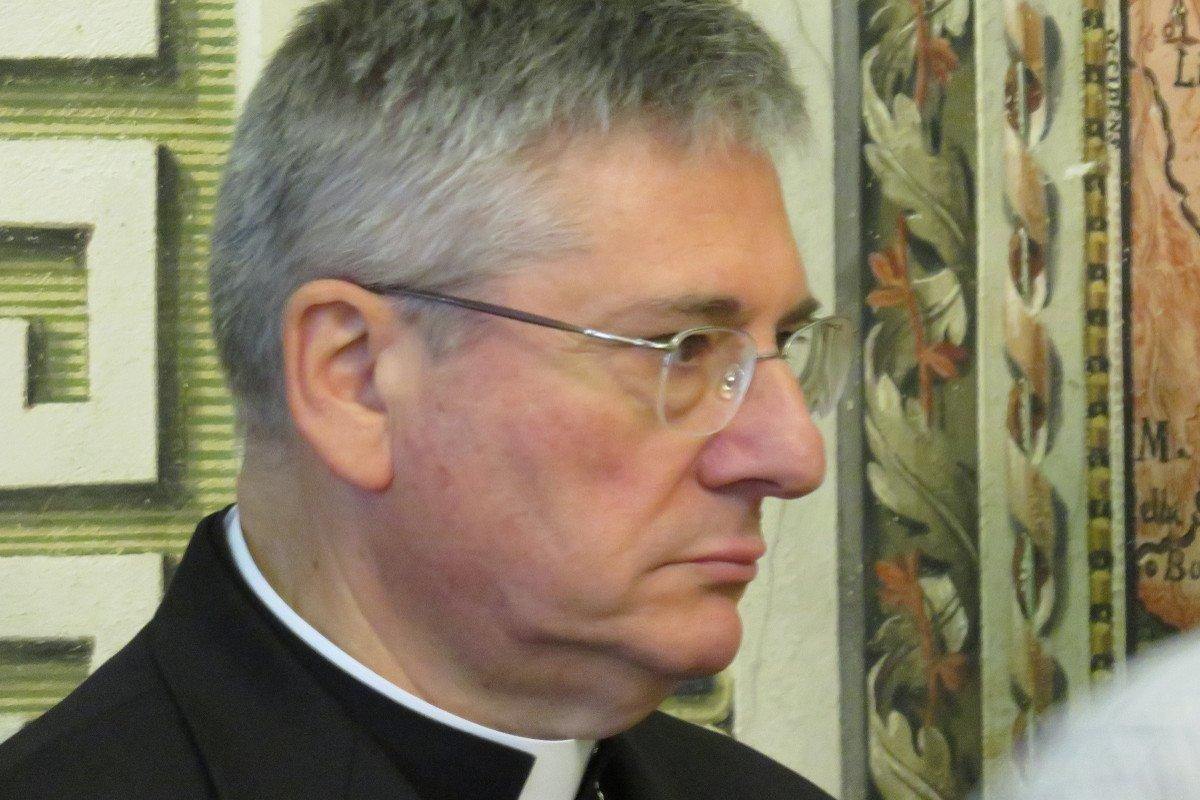 Monsignor Lovignana chiede «il dono di nuove vocazioni» e ricorda ai fedeli che «le chiese sono aperte, venite a pregare singolarmente»