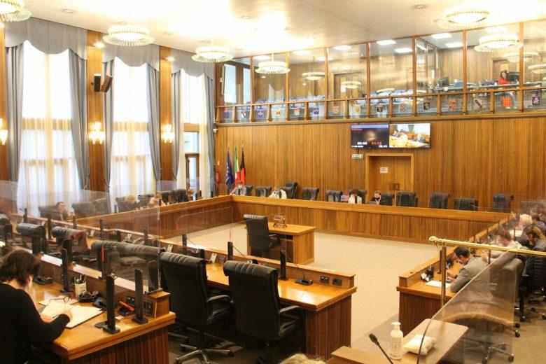 Le Commissioni in riunione congiunta nell'aula del Consiglio Valle
