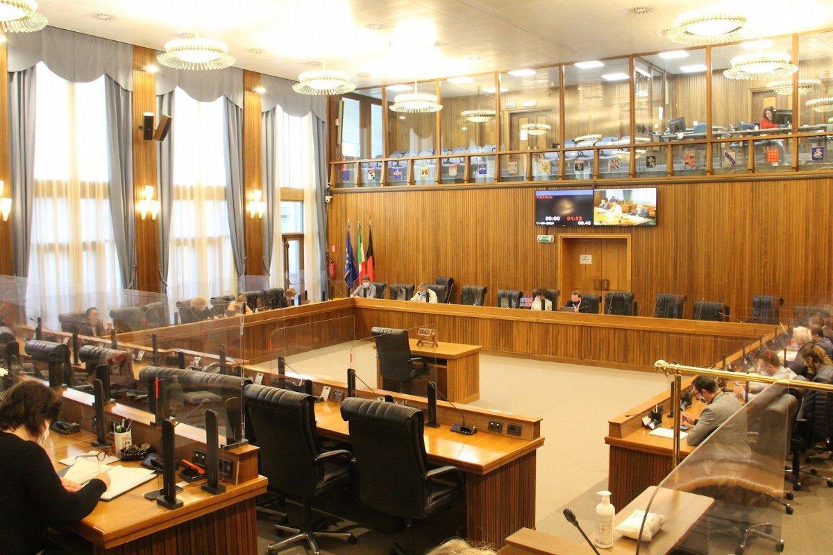 """«Lavoro serrato» della seconda e quinta Commissione del Consiglio Valle per esaminare il terzo disegno di legge di sostegno alla crisi da """"covid-19"""""""