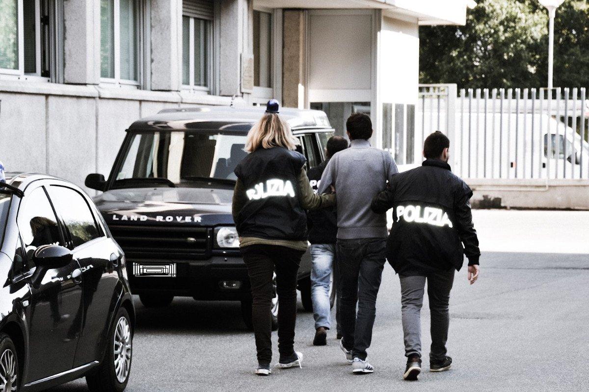 Al Traforo del Monte Bianco la Polizia intercetta un ricercato olandese. Arrestato anche un 33enne italiano condannato a due anni di carcere