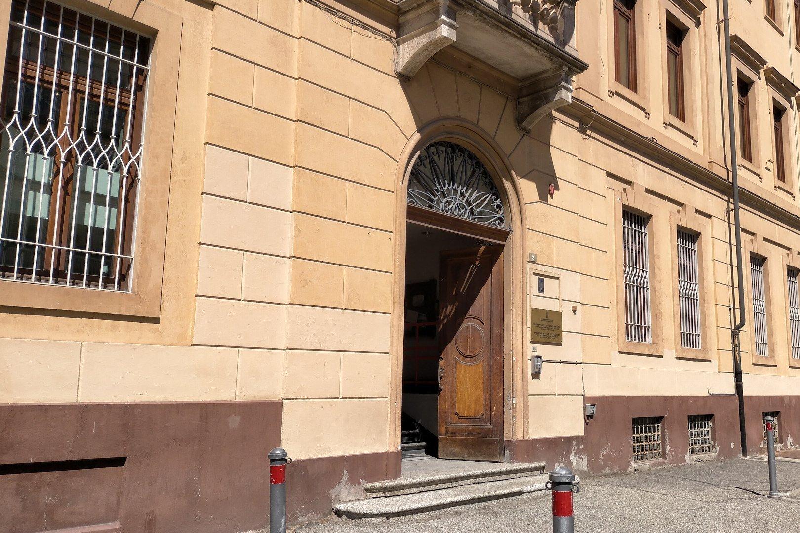 La scuola 'San Francesco' di Aosta con il portone nuovamente aperto