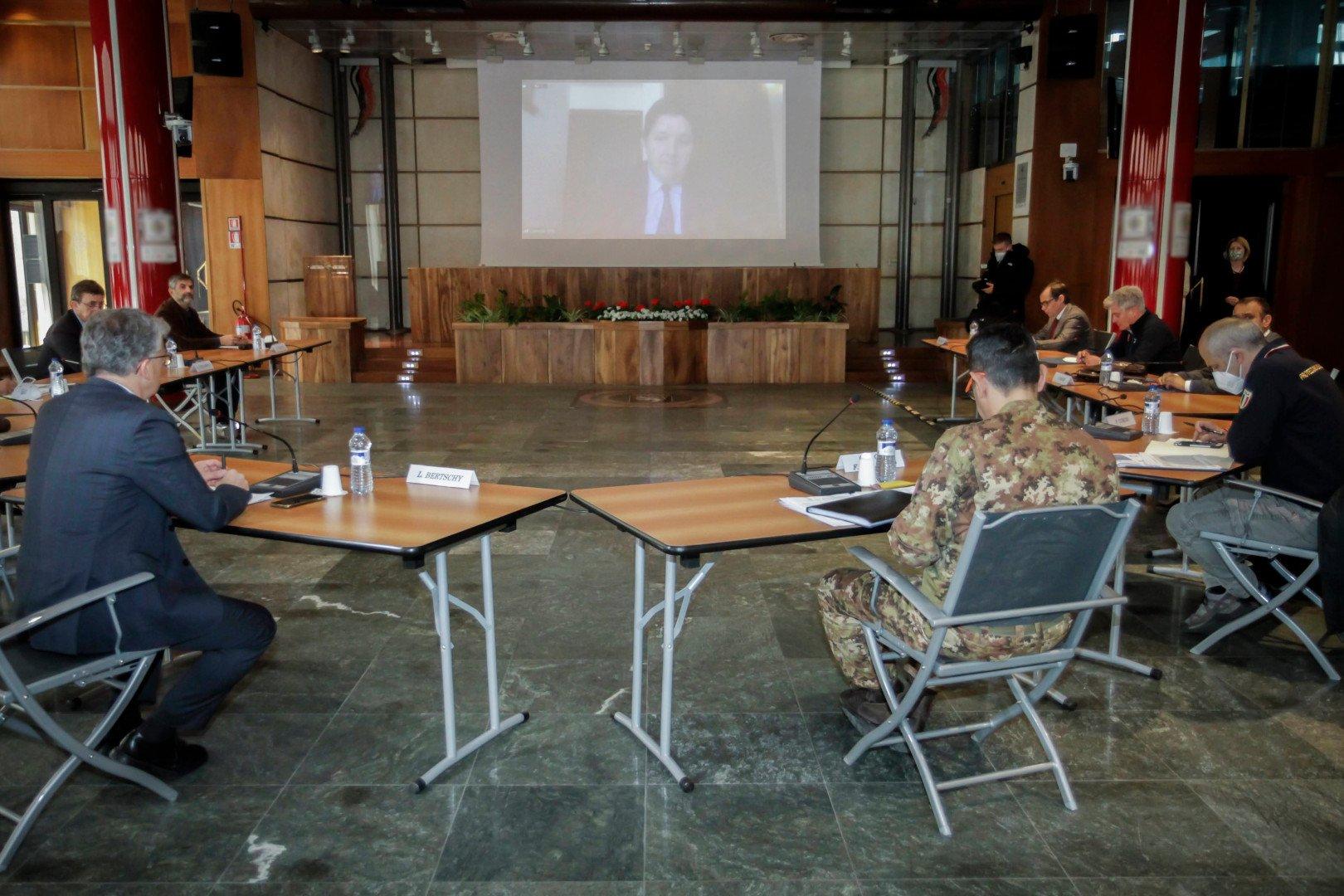 Il presidente Erik Lavevaz partecipa alla riunione con Francesco Figliuolo e Fabrizio Curcio a Palazzo regionale
