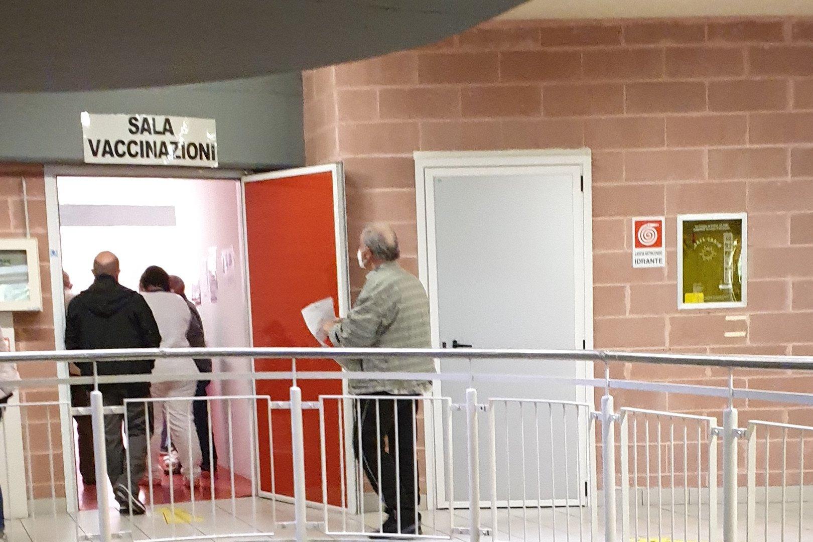 La 'sala vaccinazione' all'interno del 'Palaindoor' di Aosta