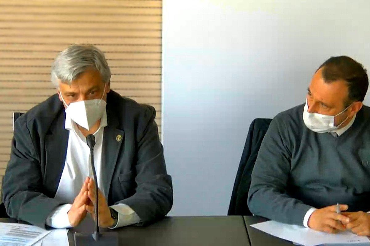 Luciano Caveri e Franco Manes durante l'Assemblea del Cpel