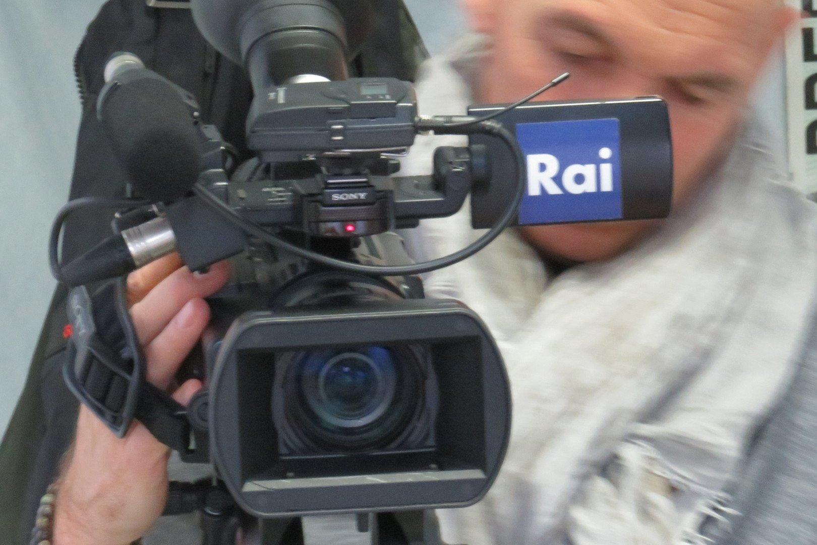 """Il Consiglio Valle approva una mozione per trattare il rinnovo della convenzione con la Rai, che preveda un monte ore """"adeguato"""" per le minoranze linguistiche"""