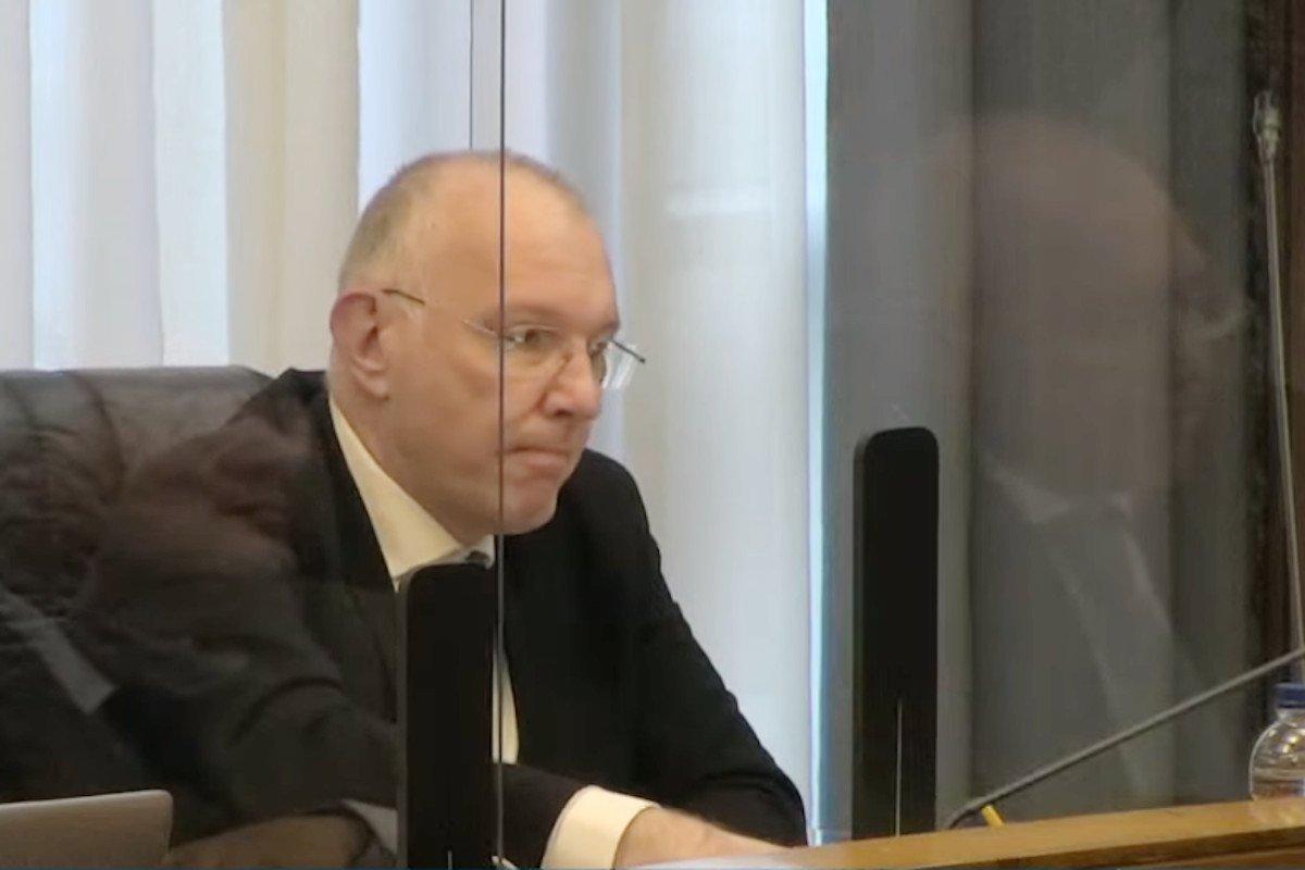 Renzo Testolin conferma in Consiglio Valle l'avviso di garanzia per le indagini di scambio elettorale politico-mafioso in concorso