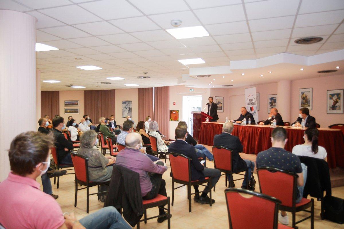 La sala dell'assemblea durante l'intervento di Marco Carrel