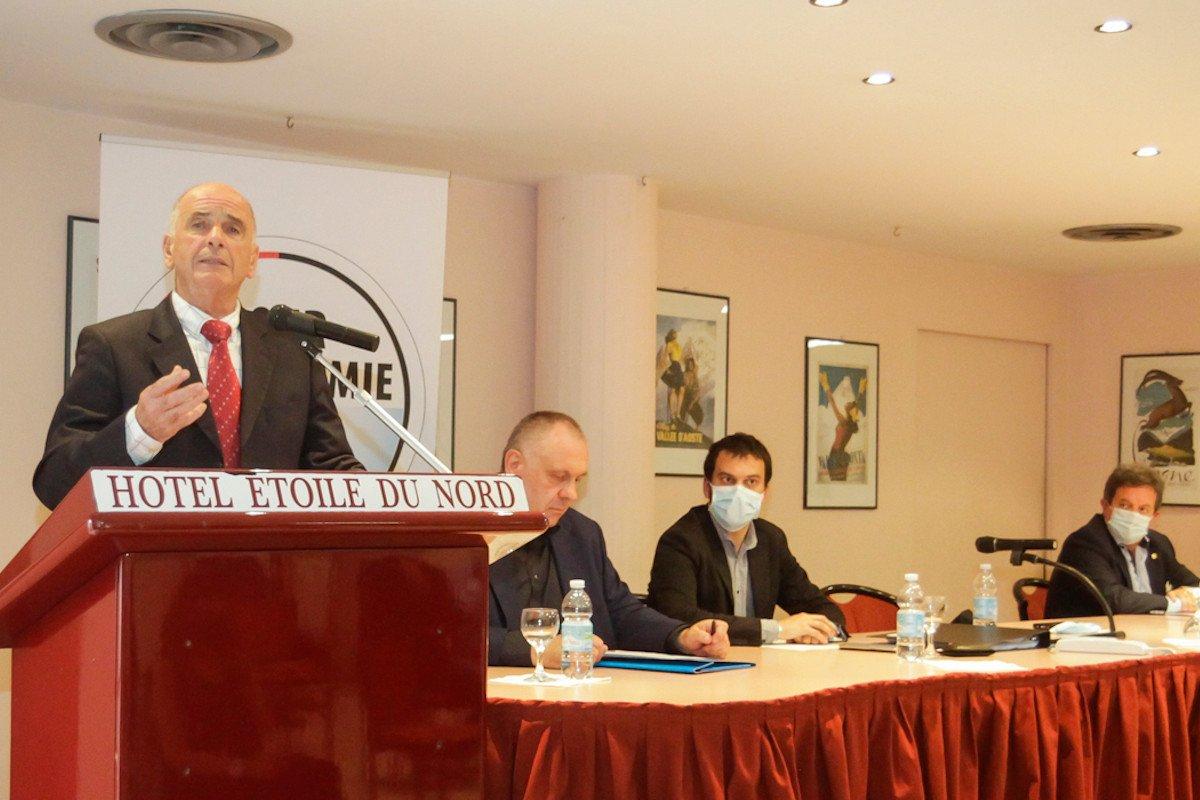Augusto Rollandin durante il suo intervento