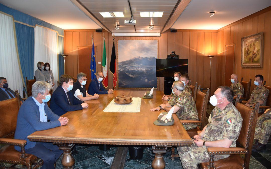 L'incontro di commiato in Regione tra la Giunta, Azienda Usl ed Esercito