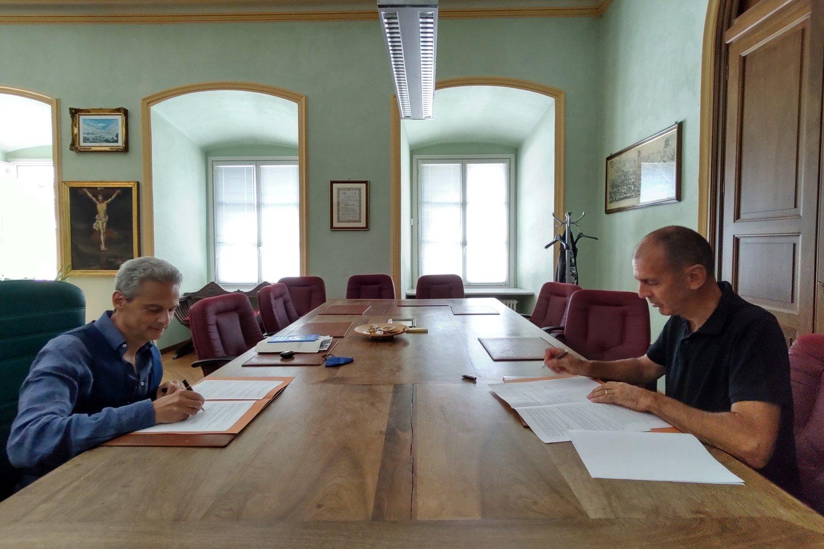Firmati due accordi di collaborazione tra Comune di Aosta ed Ivat per la valorizzazione dell'artigianato di tradizione