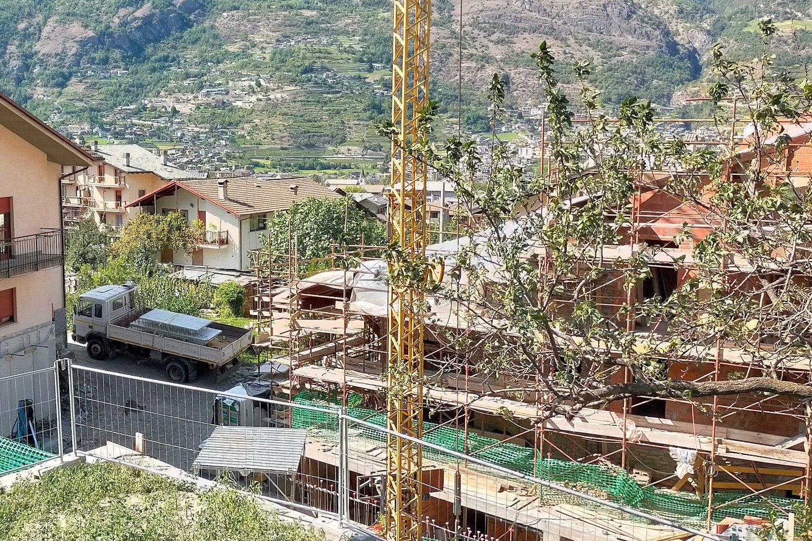 Sgomento e tristezza per l'incidente nel cantiere di Gressan dove hanno perso la vita Sandro Pepellin e Velio Dal Dosso